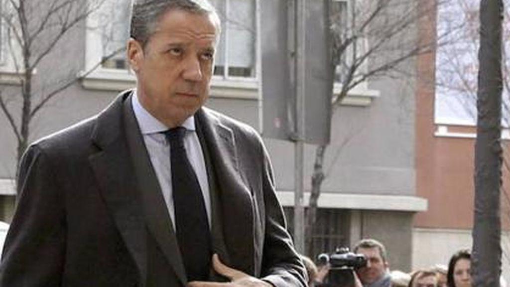 Zaplana niega tener cuentas fuera de España y estar implicado en contratos fraudulentos