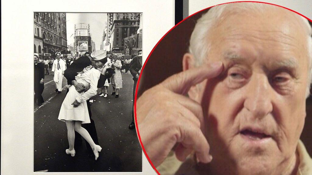 George Mendonsa, el marinero de la icónica foto de El Beso, murió a los 95 años en EEUU