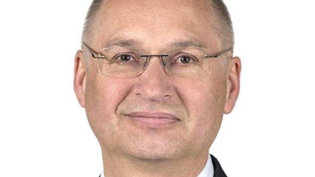 Un diputado esloveno dimite tras contar que robó un bocadillo