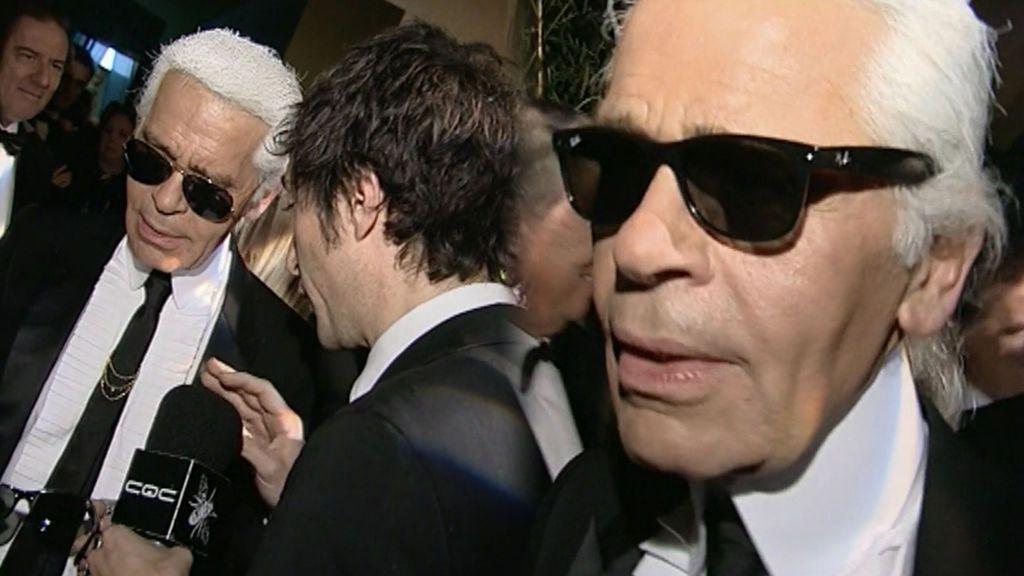 Karl Lagerfeld se puso las míticas gafas de 'CQC' en 2006