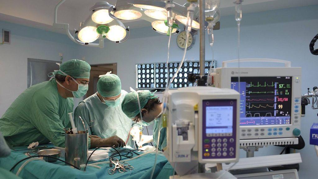 El escándalo tras los recortes en la sanidad pública: las negligencias médicas se disparan