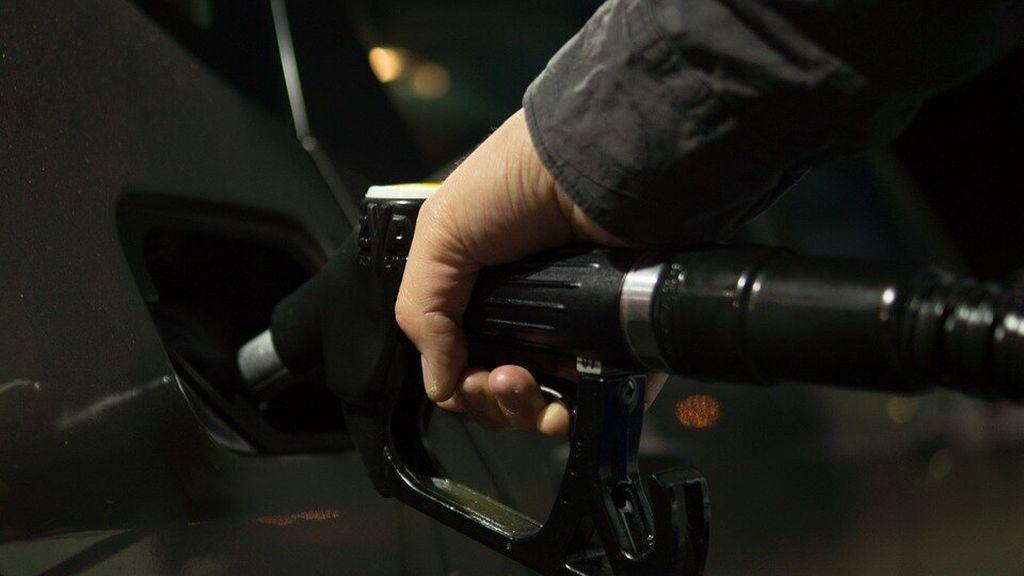 Detenido un empleado de una gasolinera por apropiarse de descuentos de clientes