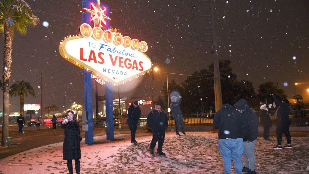 Las Vegas se viste de blanco tras una década sin ver la nieve