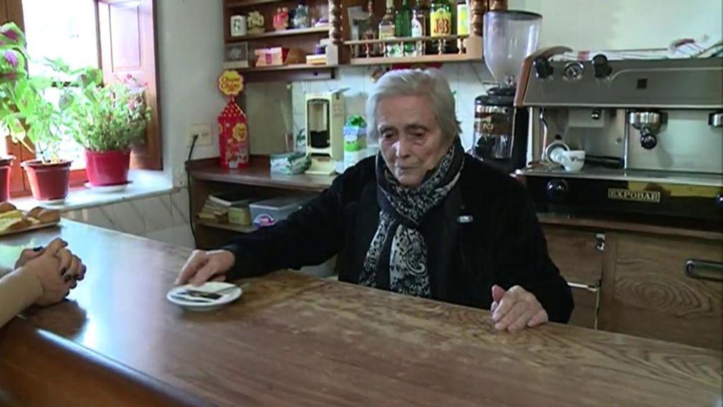 100 años trabajando tras la barra de un bar: La historia de Ascensión y su taberna
