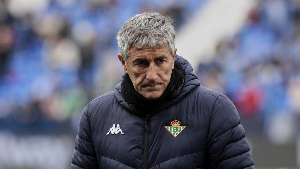 La afición del Betis increpa a Setién tras quedar eliminados de la Europa League