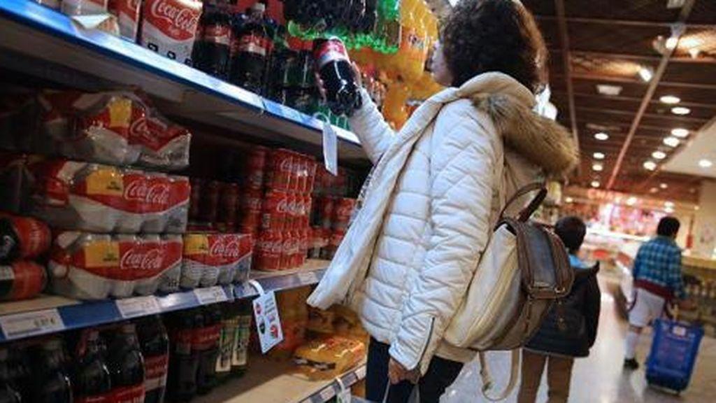 Los españoles ya gastan un 2,6% más en la cesta de la compra y la mitad dice vivir desahogado