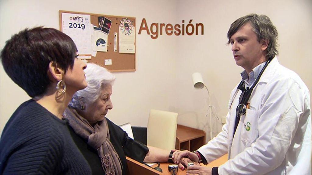 Ser médico, profesión de riesgo: Seis de cada diez profesionales españoles sufren agresiones a manos de pacientes