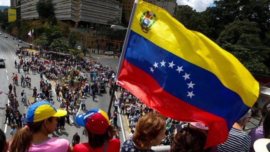 El Gobierno de Venezuela cierra tres puentes fronterizos con Colombia a causa de 'series e ilegales amenazas'