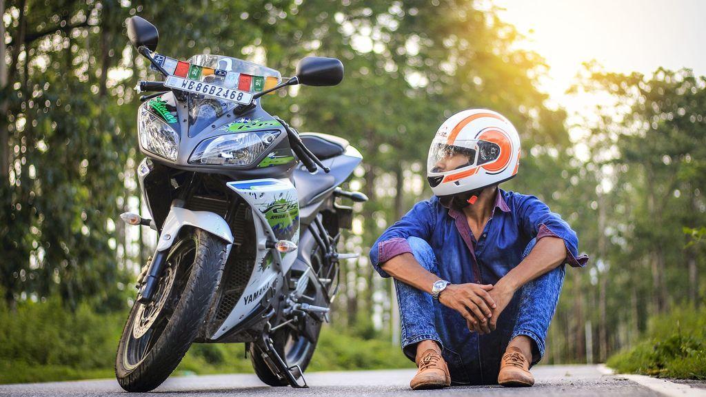¿Puedo llevar a mi hijo en moto?