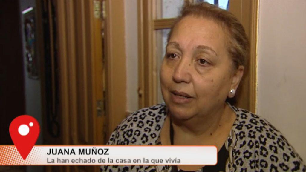 """Juana, desahuciada de una vivienda de Lavapiés: """"Quieren esto para explotarlo"""""""
