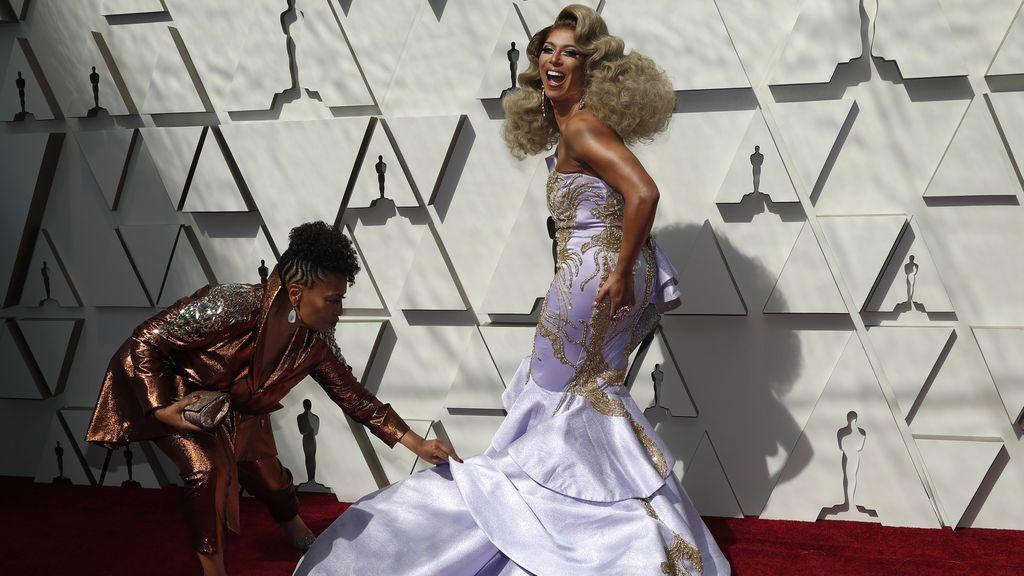 Jenifer Lewis y Shangela llegan a la alfombra roja de los Premios Oscars 2019