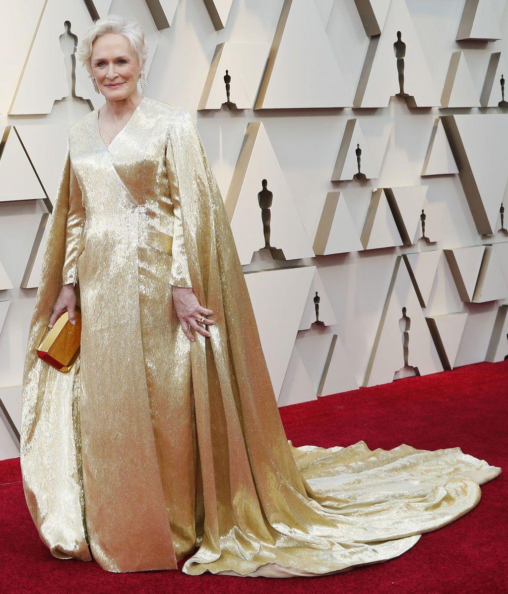 Glenn Close, galardonada con el Spirit a la mejor actriz, pisa la alfombra roja de los Premios Oscars 2019