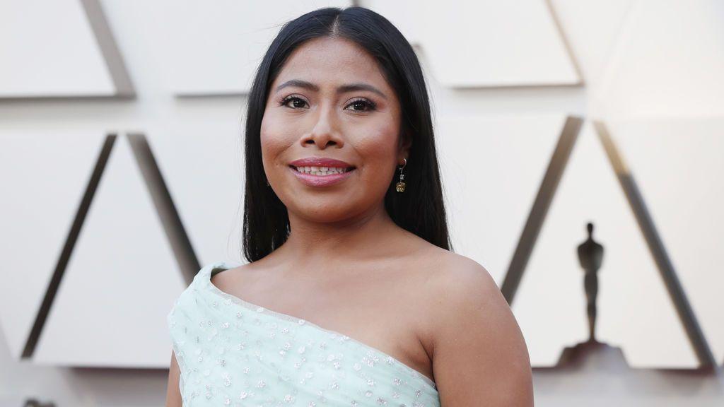 Yalitza Aparicio, nominada a mejor actriz por 'Roma' posa en la alfombra roja de los Premios Oscars 2019