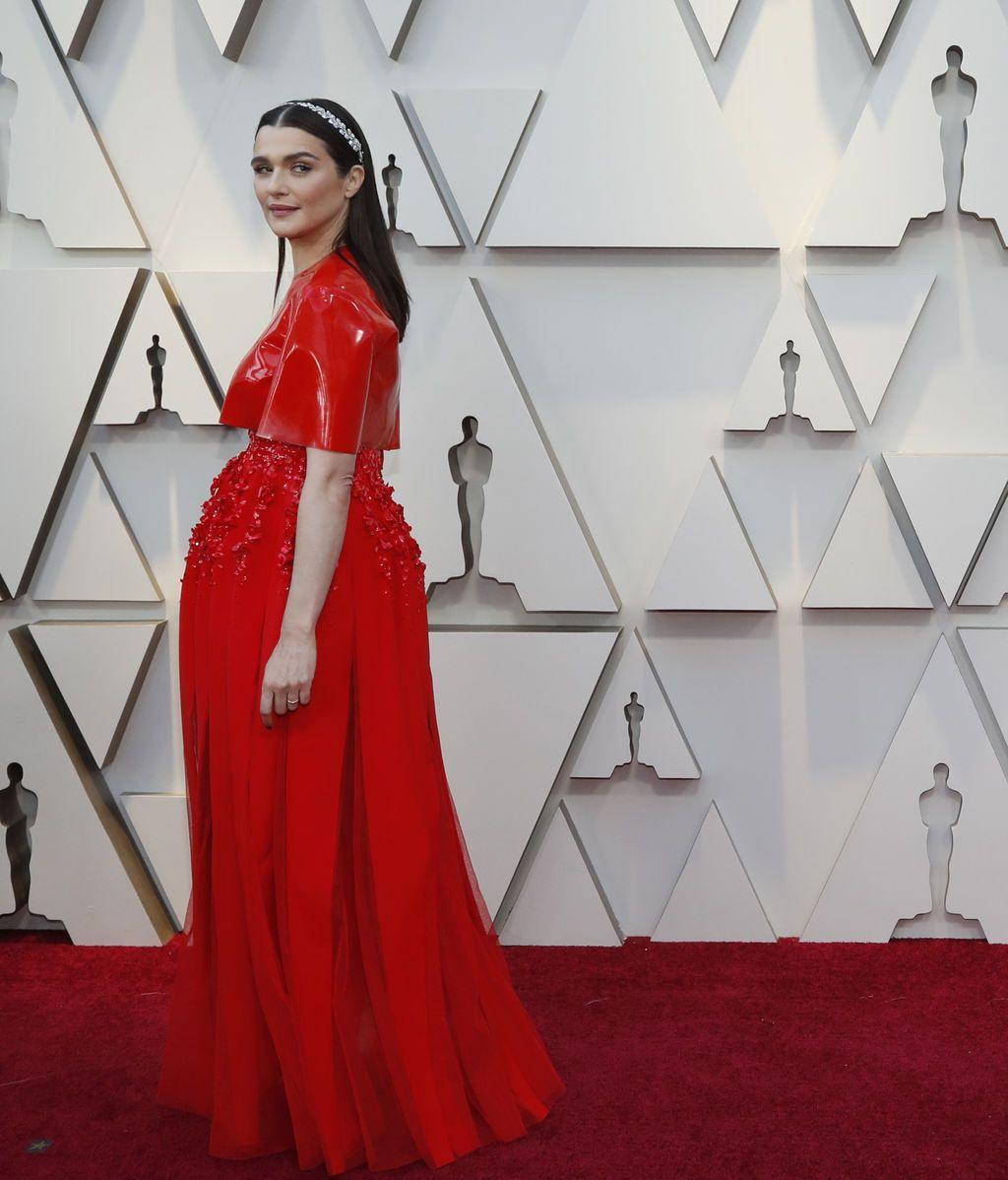 Rachel Weisz posa en la alfombra roja de los Premios Oscars 2019