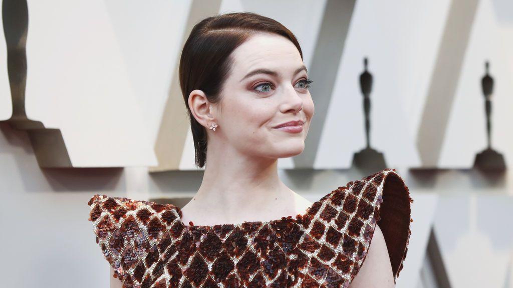 Emma Stone posa en la alfombra roja de los Oscars 2019