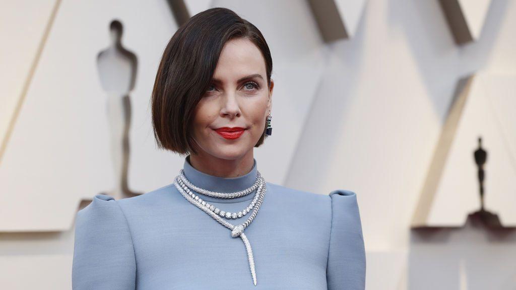Llega la actriz Charlize Theron a la gran cita del cine español, los Premios Oscars