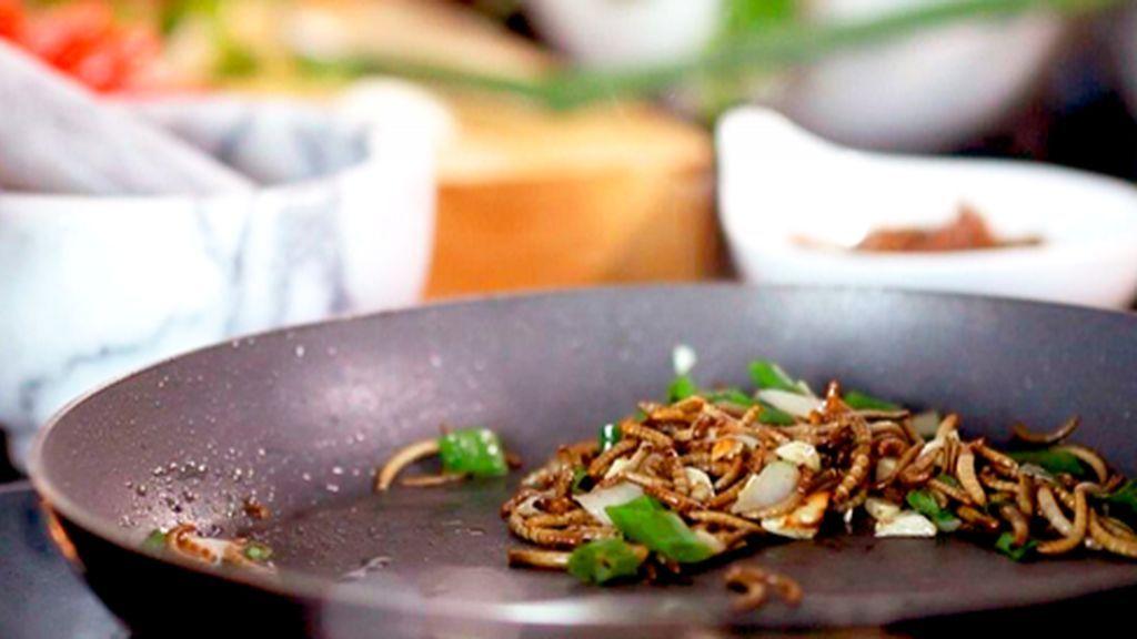 El Ejército de Tierra investiga el hallazgo de gusanos en la comida de un cuartel de Cádiz