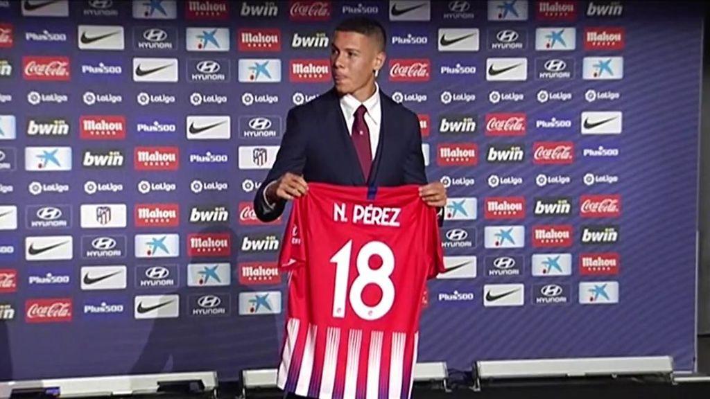 El cambio de gustos de Nehuén Pérez tras fichar por el Atlético: De ser fan de Ramos, a fijarse en Godín