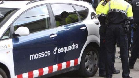 Un muerto y un detenido en una pelea en plena calle en Cornellà