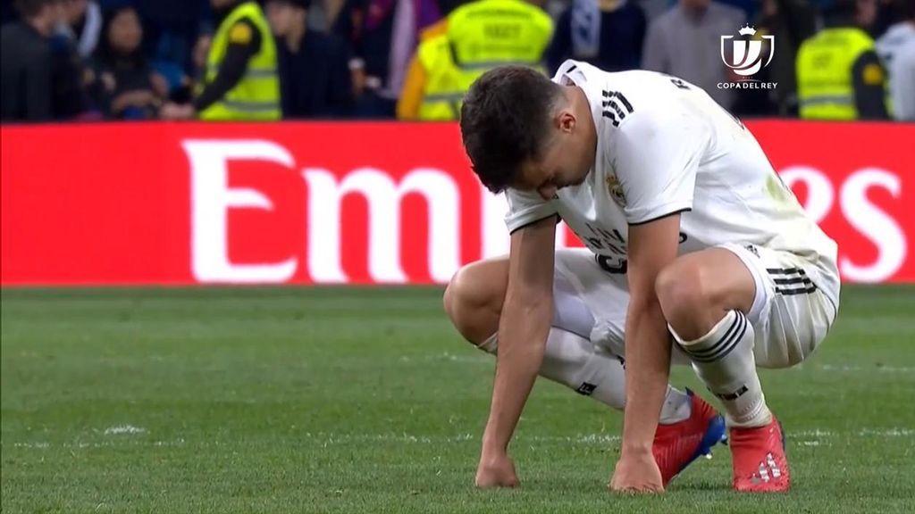 Las lágrimas de Reguilón camino del vestuario tras la derrota en el Clásico