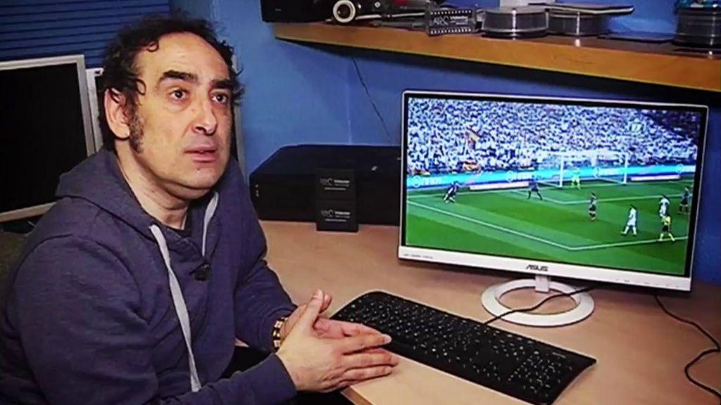 Iturralde González ve un penalti claro en el Clásico que no se señaló