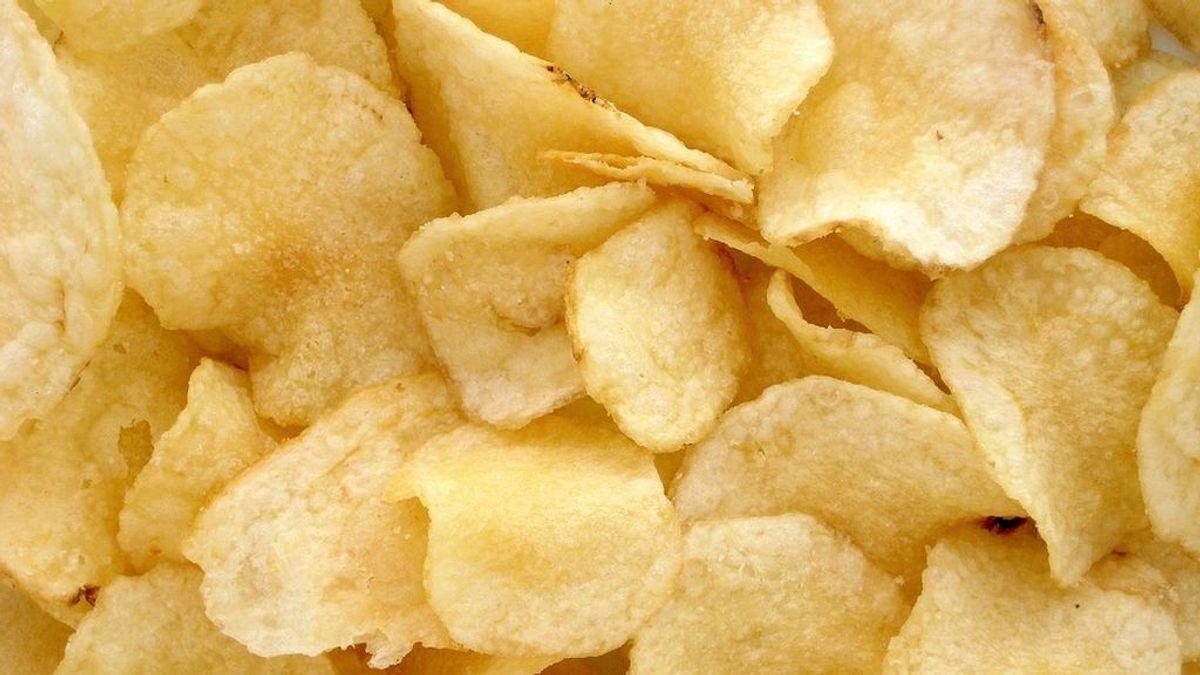 La OCU equipara el valor calórico de las 'chips vegetales' al de las patatas fritas