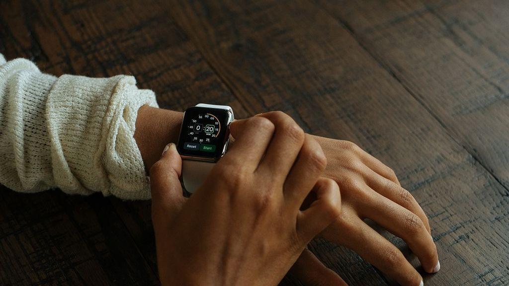 Samsung y Fitbit se posicionan por delante de Apple en la venta de relojes inteligentes