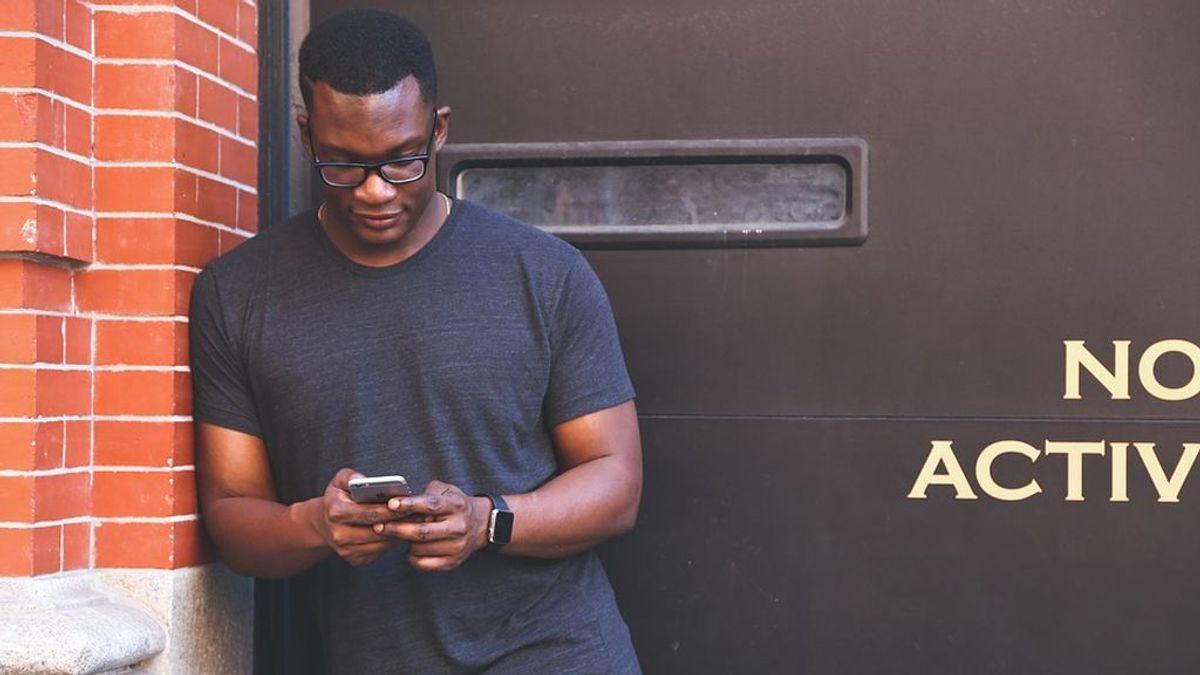 Te contamos cómo desintoxicarte del móvil en siete días