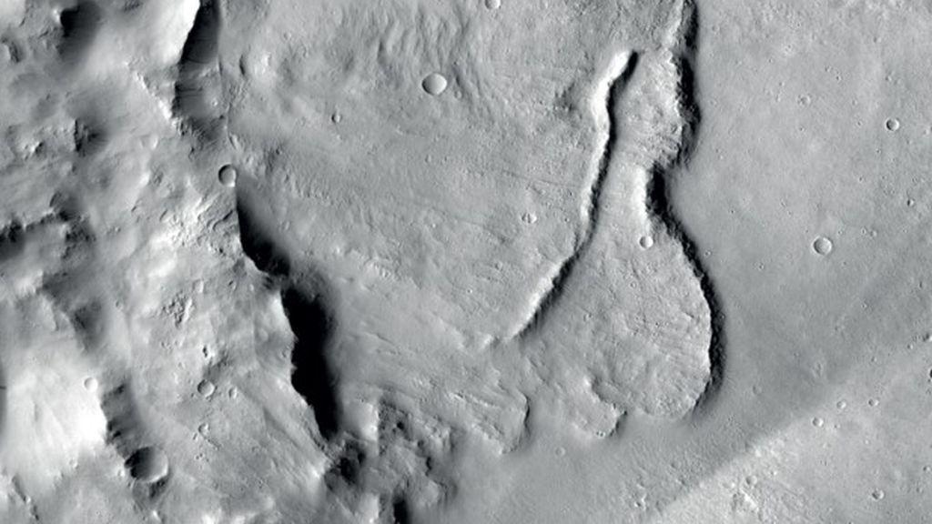 Encuentran las primeras evidencias de la existencia de lagos subterráneos  en Marte
