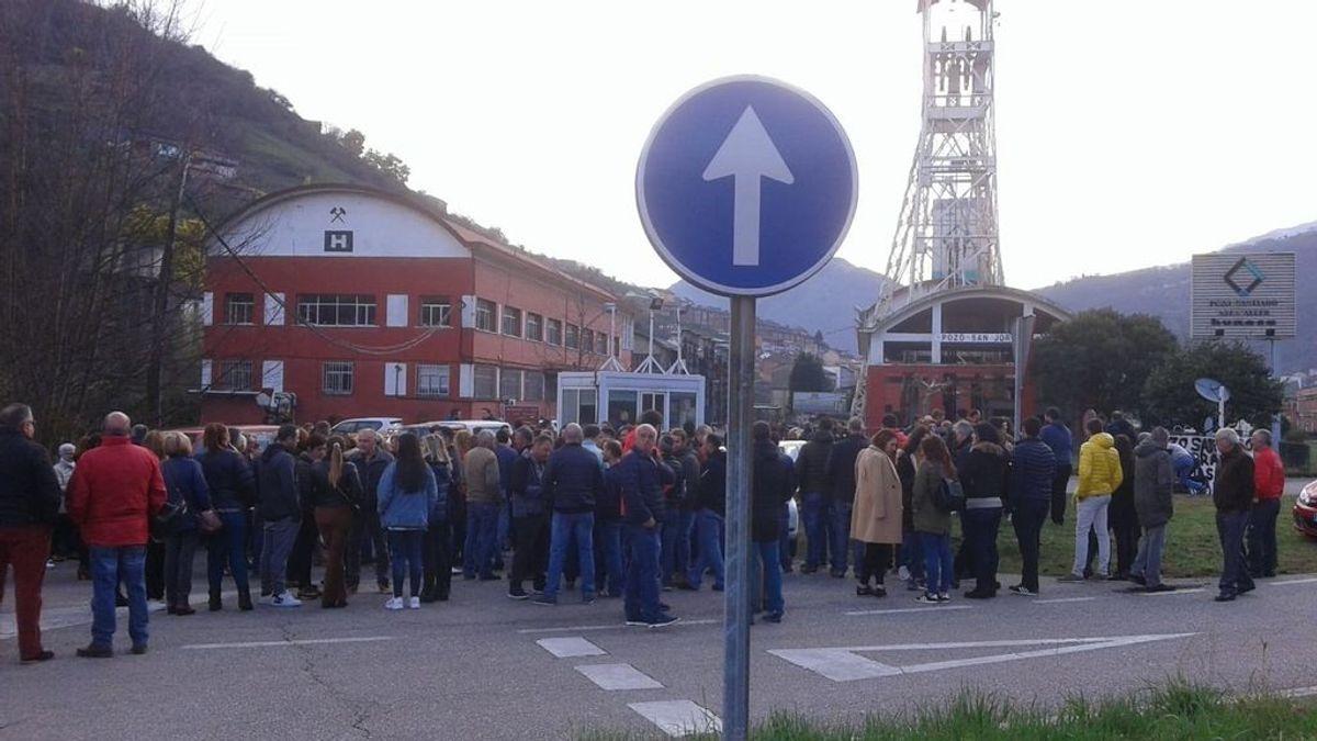Cuatro mineros se han encerrado en un pozo como protesta en Asturias