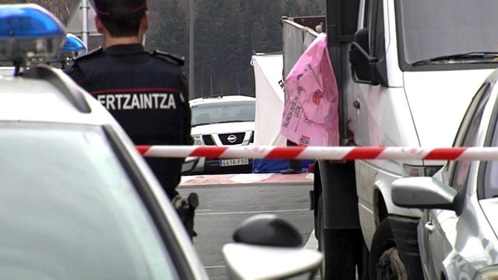 La bebé abandonada en Guipúzcoa estaba debajo de un coche aún con restos de placenta