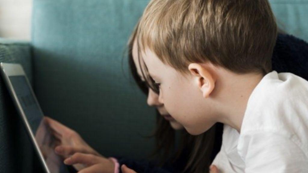 Sí, los influencers influyen en lo que comen los pequeños para bien y para mal