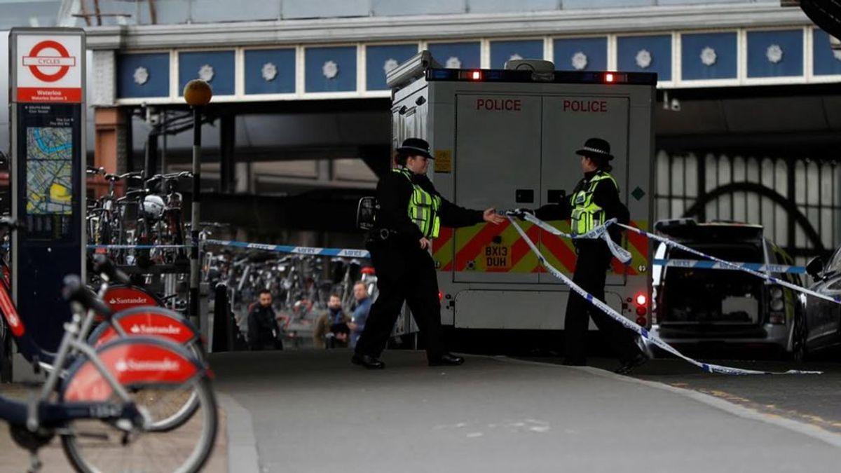 Investigan el hallazgo de paquetes sospechosos cerca del aeropuerto de London City, la estación de Waterloo y unas oficinas de Heathrowl
