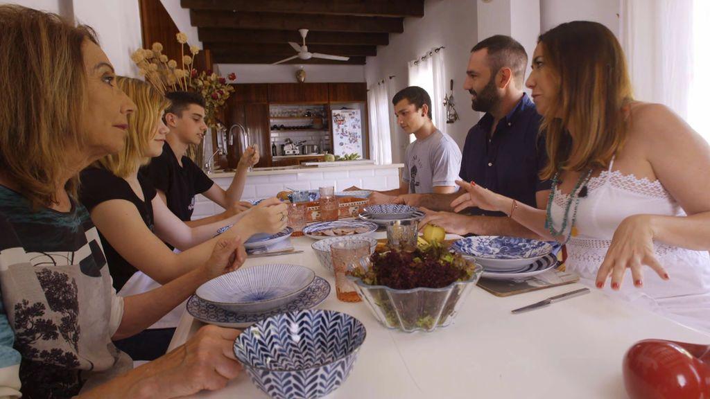 Úrsula y Dan: Una familia moderna donde reina la paz y el amor