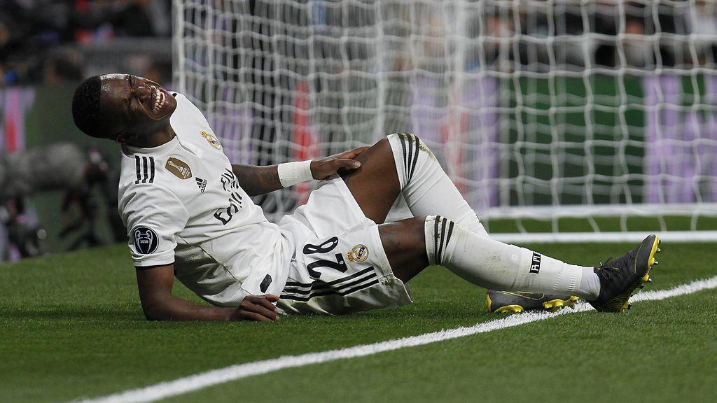 Vinicius sufre una rotura de ligamentos y estará de dos a tres meses de baja tras romperse contra el Ajax