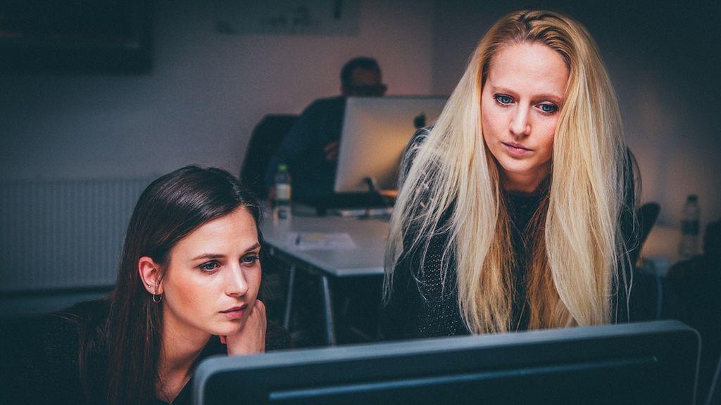 España, entre los países más atrasados de integración femenina laboral