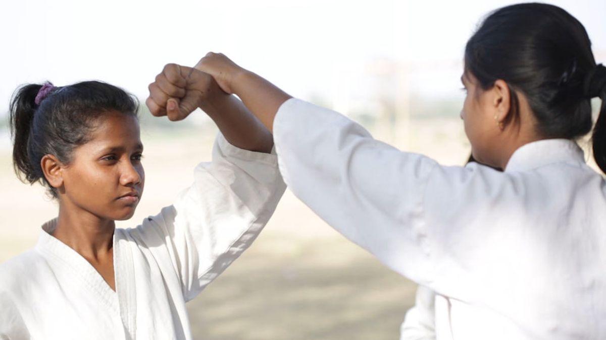 Impulsan el kárate en la India para que las niñas se defiendan de la violencia de género