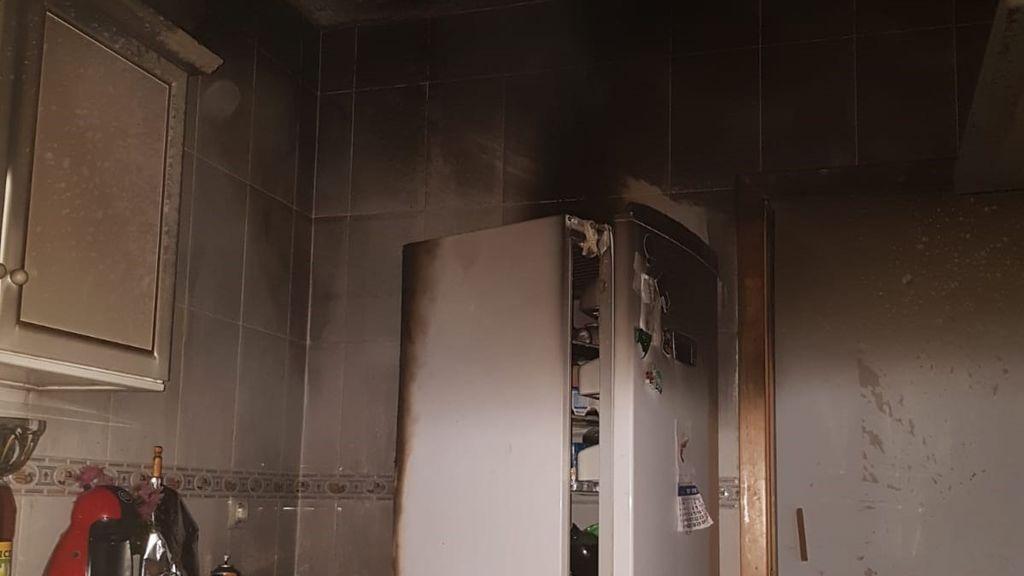 Cuatro heridos con quemaduras en el incendio de una vivienda de Sanlúcar de Barrameda