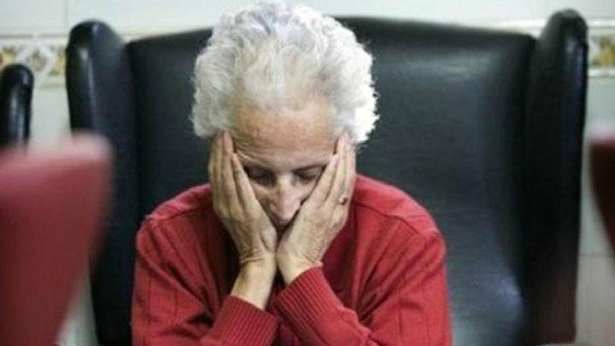 Una mujer se despierta de un desmayo y no recuerda nada de los últimos 40 años