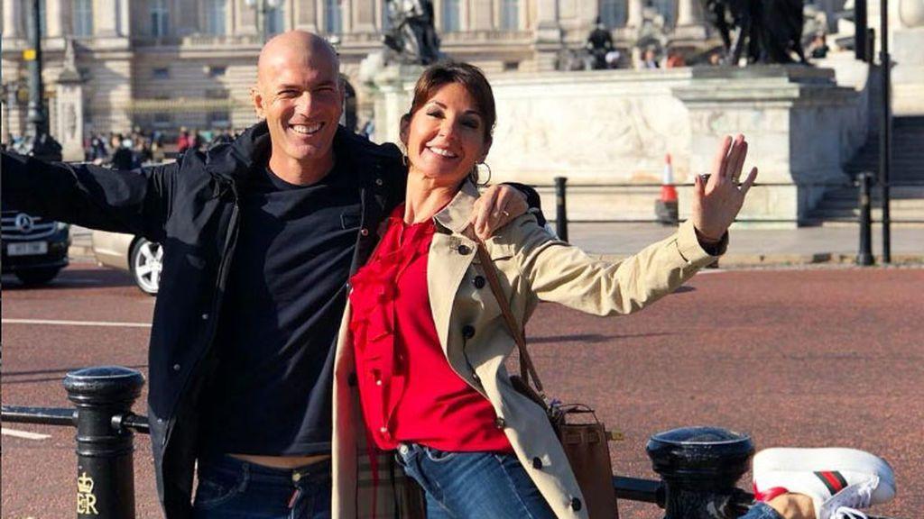 Viajes, dominó, selfies con su familia... y hasta fotos con Messi: así fueron los nueves meses de Zidane fuera del Real Madrid