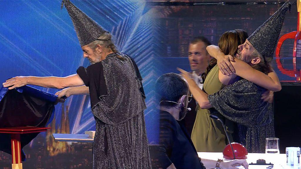 A la segunda va la vencida: Merlín se lleva tres 'síes'... ¡y el amor de 'la Chusa'!