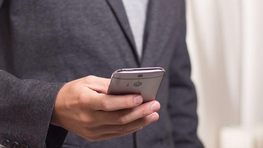 """Tel Aviv-Yafo pone medidas para combatir los denominados """"zombies del smartphone"""""""