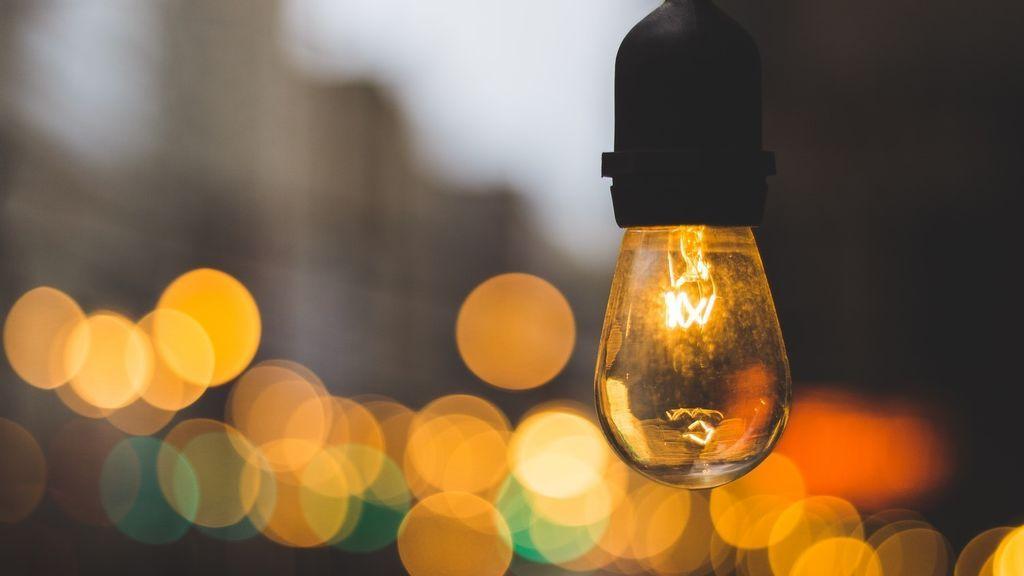 Prepara el bolsillo: a partir de abril pagaremos más de luz