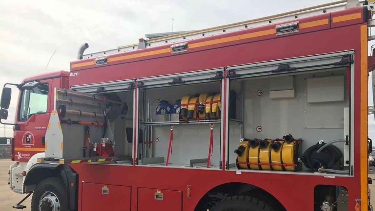 Desalojan a 20 vecinos de Lucena por un incendio
