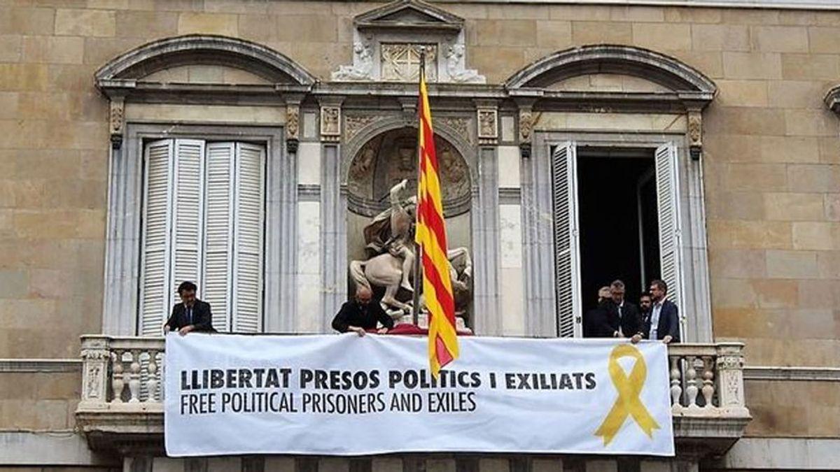 """Torra no quitará los lazos amarillos de la Generalitat en nombre de la libertad de expresión y por  la """"dificultad legal"""" de hacerlo"""