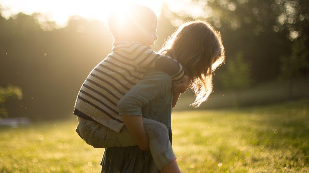 Los hermanos pequeños no son más temerarios que los mayores, según un estudio