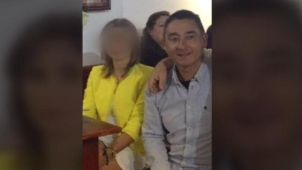 Su hijo de 8 años corre a pedir ayuda después de que su padre intentara degollar a su madre
