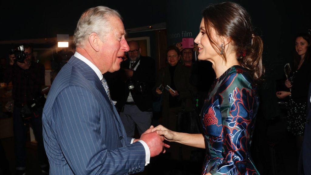Letizia llegó tarde pero hubo 'feeling': el encuentro de Letizia con Carlos de Inglaterra, foto a foto