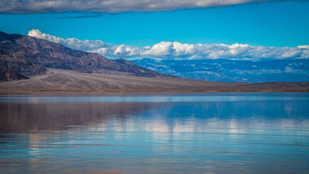 Lago 'milagroso' en el Valle de la Muerte, uno de los lugares más secos del mundo