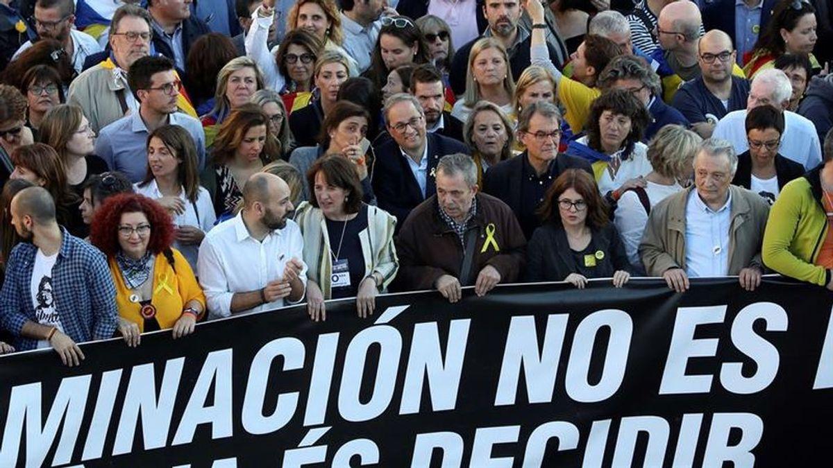 """Acuden 18.000 personas a la manifestación independentista de Madrid al grito de """"Uno de octubre, ni olvido ni perdón"""""""